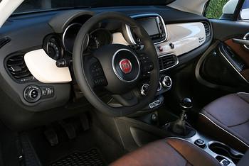Das Armaturenbrett des Fiat 500x