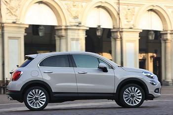 Fiat 500X von der Seite