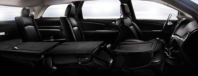 Fiat Freemont Innenraum mit umgelegten Sitzlehnen