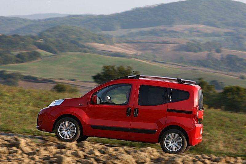 Fiat Qubo Trekking seitlich