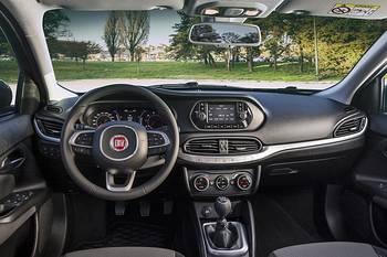 Das Armaturenbrett des Fiat Tipo
