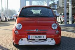 Den Fiat 500e gibt es als Aktionsmodell bei Hirschmugl in begrenzter Stückzahl ab EUR 15.400 exkl. / 18.480,- inkl.