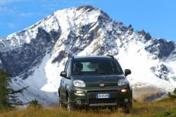 Im mehrwöchigen Praxistest durch die Tiroler Forstaufseher konnte der robuste und wendige Fiat Panda Allrad mit seinen Qualitäten punkten und sich gegen seine Mitbewerber durchsetzen.